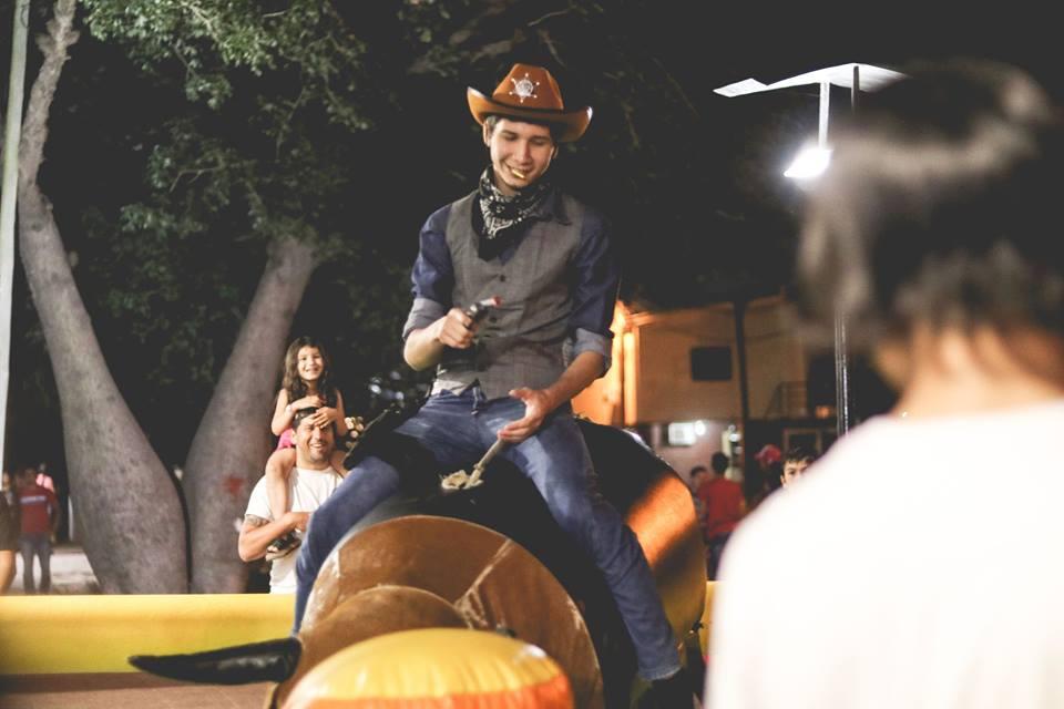 Noche Diferente Cowboy