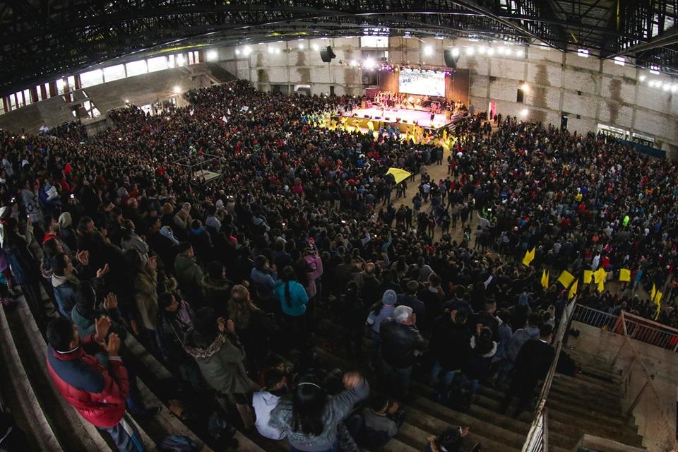 Impresionante convocatoria con el evangelista Carlos Annacondia en Resistencia