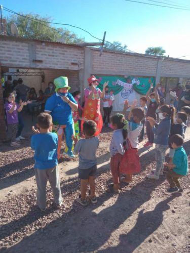 Actividad solidaria en barrio Zampa